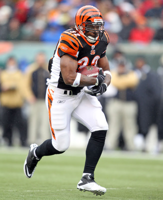 CINCINNATI, OH - DECEMBER 05: Cedric Benson #32 of the Cincinnati Bengals runs with the ball during the NFL game against the New Orleans Saints at Paul Brown Stadium on December 5, 2010 in Cincinnati, Ohio.  The Saints won 34-30.  (Photo by Andy Lyons/Get