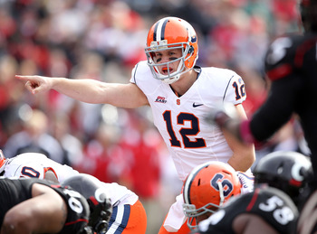 CINCINNATI - OCTOBER 30:  Ryan Nassib #12 of the Syracuse Orange gives instructions to his team during the Big East Conference game against the Cincinnati Bearcats at Nippert Stadium on October 30, 2010 in Cincinnati, Ohio.  (Photo by Andy Lyons/Getty Ima