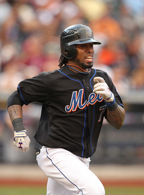NEW YORK - SEPTEMBER 18:  Jose Reyes #7 of the New York Mets in action against the Atlanta Braves during their game on September 18, 2010 at Citi Field in the Flushing neighborhood of the Queens borough of New York City.  (Photo by Al Bello/Getty Images)