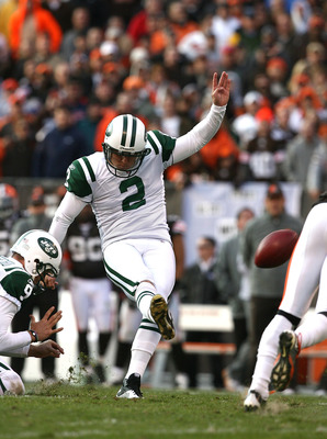 CLEVELAND - NOVEMBER 14:  Kicker Nick Folk #2 of the New York Jets misses a field goal against the Cleveland Browns  at Cleveland Browns Stadium on November 14, 2010 in Cleveland, Ohio.  (Photo by Matt Sullivan/Getty Images)
