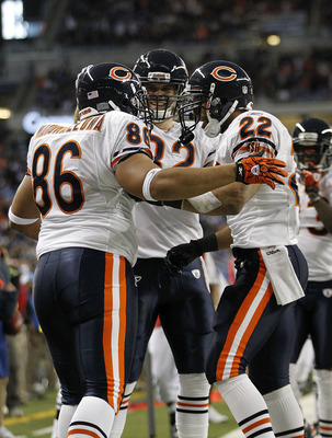 DETROIT - DECEMBER 05: Brandon Manumaleuna #86 of the Chicago Bears celebrates a fourth quarter touchdown with teammates Greg Olsen #82 and Matt Forte #22 during the game against the Detroit Lions at Ford Field on December 5, 2010 in Detroit, Michigan. Th