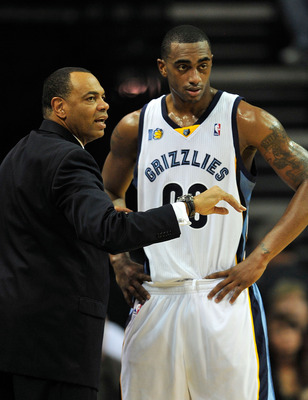 MEMPHIS, TN - NOVEMBER 20:  Coach Lionel Hollins of the Memphis Grizzlies talks with Darrell Arthur #00 during a game against the Miami Heat at FedExForum on November 20, 2010 in Memphis, Tennessee. The Grizzlies won 97-95.  NOTE TO USER: User expressly a