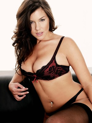 Imogen-thomas-i142269_display_image