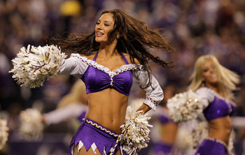 MINNEAPOLIS, MN - DECEMBER 05:  Minnesota Vikings cheerleaders perform during the game against the Buffalo Bills at the Mall of America Field at the Hubert H. Humphrey Metrodome on December 5, 2010 in Minneapolis, Minnesota.  (Photo by Nick Laham/Getty Im