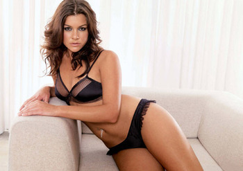 Imogen-thomas-015-01-488100_display_image