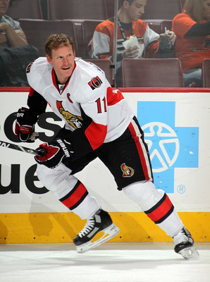 PHILADELPHIA - NOVEMBER 15:  Daniel Alfredsson #11 of the Ottawa Senators skates against the Philadelphia Flyers at the Wells Fargo Center on November 15, 2010 in Philadelphia, Pennsylvania.  (Photo by Bruce Bennett/Getty Images)