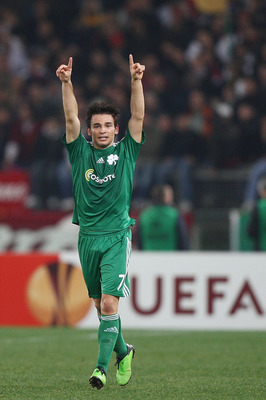 ROME - FEBRUARY 25: Sotiris Ninis of Panathinaikos celebrates the second goal during the UEFA Europa League Round of 32, 2nd leg match between AS Roma and Panathinaikos on February 25, 2010 in Rome, Italy.  (Photo by Paolo Bruno/Getty Images)