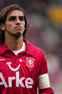 ENSCHEDE, NETHERLANDS - OCTOBER 24: Bryan Ruiz of FC Twente in action during the Eredivisie match between FC Twente and  ADO Den Haag at 'the 'Grolsch Veste' Stadium'on October 24, 2010  in Enschede, Netherlands. (Photo by Anoek De Groot/EuroFootball/Gett