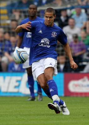 PRESTON, LANCASHIRE - JULY 24: Jack Rodwell of Everton passes the ball during the pre season friendly match between Preston North End and Everton at Deepdale on July 24, 2010 in Preston, Lancashire.  (Photo by David Rogers/Getty Images)