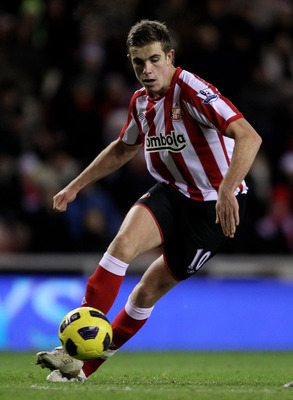 SUNDERLAND, ENGLAND - DECEMBER 05:  Jordan Henderson of Sunderland in action during the Barclays Premier League match between Sunderland and West Ham United at the Stadium of Light on December 5, 2010 in Sunderland, England. (Photo by Alex Livesey/Getty I