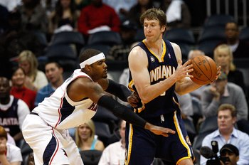 ATLANTA - OCTOBER 28:  Troy Murphy #3 of the Indiana Pacers against Josh Smith #5 of the Atlanta Hawks at Philips Arena on October 28, 2009 in Atlanta, Georgia.  (Photo by Kevin C. Cox/Getty Images)