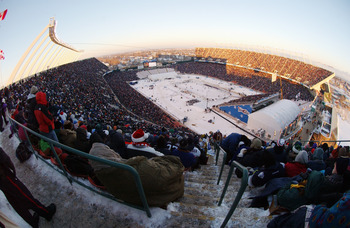 EDMONTON, CANADA - NOVEMBER 22:  A general view of the stadium and ice rink as Edmonton Oilers take on the Montreal Canadiens for the Molson Canadien Heritage Classic on November 22, 2003 at Commonwealth Stadium in Edmonton, Canada. The Oilers defeated th