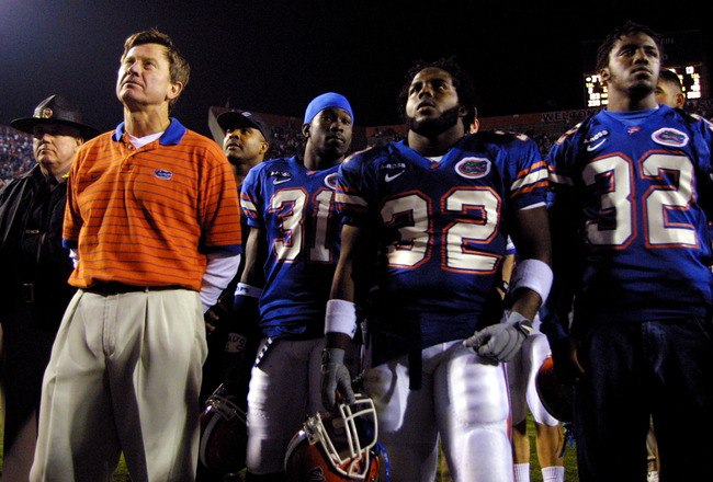 17 Nov 2001:  Coach Steve Spurrier stands with Florida Gator players after beating Florida State 37-13 at Florida Field in Gainesville, Florida. DIGITAL IMAGE. Mandatory Credit: Matthew Stockman/Getty Images