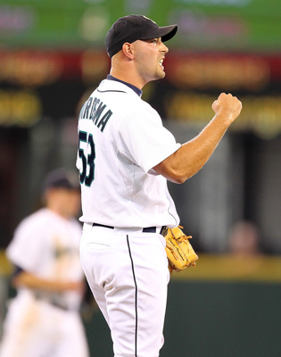 SEATTLE - SEPTEMBER 19:  Closing pitcher David Aardsma #53 of the Seattle Mariners reacts after defeating the Texas Rangers 2-1 at Safeco Field on September 19, 2010 in Seattle, Washington. (Photo by Otto Greule Jr/Getty Images)