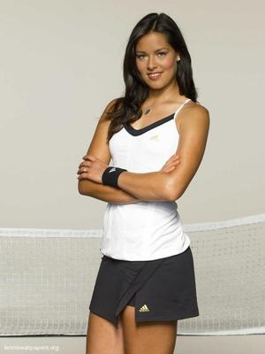 Ana-ivanovic-casual-1_display_image
