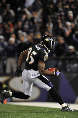 BALTIMORE, MD - NOVEMBER 28:  Derrick Mason #85 of the Baltimore Ravens runs a catch in for a touchown against the Tampa Bay Buccaneers at M&amp;T Bank Stadium on November 28, 2010 in Baltimore, Maryland. The Ravens lead the Buccaneers at the half 17-3. (Phot
