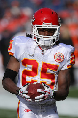 DENVER - NOVEMBER 14:  Running back <a class='sbn-auto-link' href=