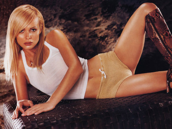 Izabella-scorupco-29_display_image