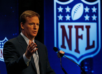 FORT LAUDERDALE, FL - FEBRUARY 05:  Commissioner of the NFL Roger Goodell speaks to members of the media during the NFL Commissioner Press Conference held at the Greater Ft. Lauderdale/Broward County Convention Center as part of media week for Super Bowl