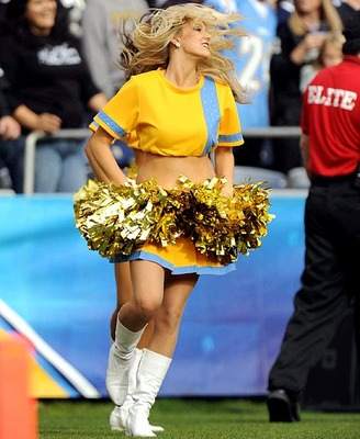 Charger-girls-cheerleader-opy2-34576_display_image