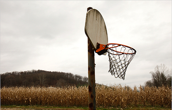 http://cdn.bleacherreport.net/images_root/slides/photos/000/559/264/bball_display_image.jpg?1292040553