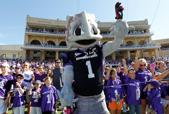 FORT WORTH, TX - OCTOBER 16: Superfrog, the TCU Horned Frogs mascot, stands on the field as TCU takes to the field against the BYU Cougars at Amon G. Carter Stadium on October 16, 2010 in Fort Worth, Texas.  TCU beat BYU 31-3.  (Photo by Tom Pennington/Ge