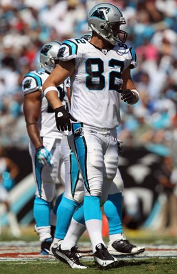CHARLOTTE, NC - SEPTEMBER 19:  Gary Barnidge #82 of the Carolina Panthers during their game at Bank of America Stadium on September 19, 2010 in Charlotte, North Carolina.  (Photo by Streeter Lecka/Getty Images)