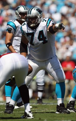 CHARLOTTE, NC - SEPTEMBER 19:  Geoff Schwartz #74 of the Tampa Bay Buccaneers # of the Carolina Panthers during their game at Bank of America Stadium on September 19, 2010 in Charlotte, North Carolina.  (Photo by Streeter Lecka/Getty Images)