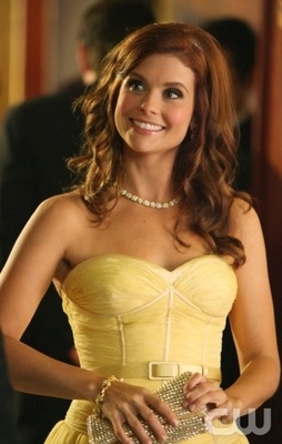Joanna-garcia-as-megan-smith-cw_display_image