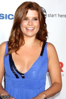 Joanna_garcia_001_092409_display_image