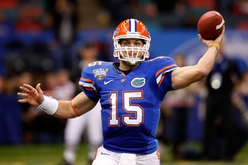 NEW ORLEANS - JANUARY 01:  Quarterback Tim Tebow #15 of the Florida Gators throws a pass against the Cincinnati Bearcats during the Allstate Sugar Bowl at the Louisana Superdome on January 1, 2010 in New Orleans, Louisiana.  (Photo by Kevin C. Cox/Getty I