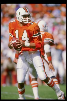 1986:  Quarterback Vinny Testaverde of the Miami Hurricanes prepares to pass the ball. Mandatory Credit: Allsport  /Allsport