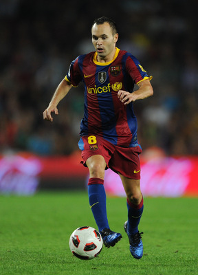 BARCELONA, SPAIN - OCTOBER 03:  Andres Iniesta of Barcelona controls the ball during the La Liga match between Barcelona and Mallorca at the Camp Nou stadium on October 3, 2010 in Barcelona, Spain. The match ended in a 1-1 draw.  (Photo by Jasper Juinen/G
