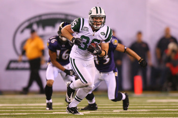 EAST RUTHERFORD, NJ - SEPTEMBER 13:  Jim Leonhard #36 of the New York Jets in action against the Baltimore Ravens during their home opener at the New Meadowlands Stadium on September 13, 2010 in East Rutherford, New Jersey.  (Photo by Andrew Burton/Getty