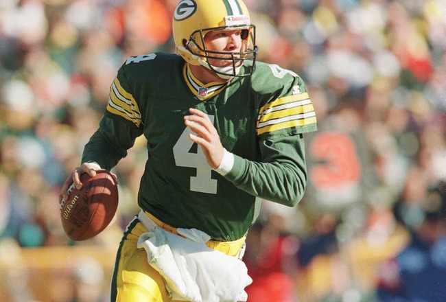 3 Nov 1996:  Quarterback Brett Favre of the Green Bay Packers rolls out of the pocket during the Packers 28-18 win over the Detroit Lions at Lambeau Field in Green Bay, Wisconsin.  Mandatory Credit: Stephen Dunn/Allsport