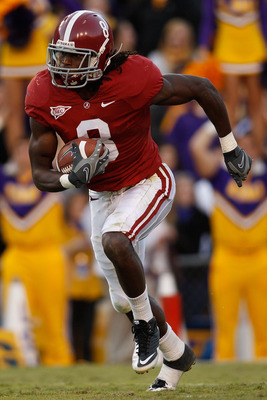 BATON ROUGE, LA - NOVEMBER 06:  Julio Jones #8 of the Alabama Crimson Tide in action during the game against the Louisiana State University Tigers at Tiger Stadium on November 6, 2010 in Baton Rouge, Louisiana.  The Tigers defeated the Crimson Tide 24-21.