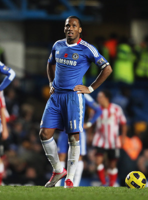 LONDON, ENGLAND - NOVEMBER 14:  (L-R) John Obi Mikel, Didier Drogba and Nicolas Anelka of Chelsea look dejected during the Barclays Premier League match between Chelsea and Sunderland at Stamford Bridge on November 14, 2010 in London, England.  (Photo by