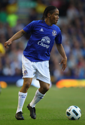 LIVERPOOL, ENGLAND - AUGUST 04:  Steven Pienaar of Everton during the pre-season friendly match between Everton and Everton Chile at Goodison Park on August 4, 2010 in Liverpool, England.  (Photo by Alex Livesey/Getty Images)