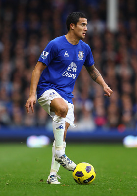 LIVERPOOL, ENGLAND - OCTOBER 30:  Tim Cahill of Everton in action during the Barclays Premier League match between Everton and Stoke City at Goodison Park on October 30, 2010 in Liverpool, England.  (Photo by Clive Brunskill/Getty Images)