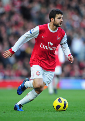 LONDON, ENGLAND - NOVEMBER 07:  Cesc Fabregas of Arsenal in action during the Barclays Premier League match between Arsenal and Newcastle United at the Emirates Stadium on November 7, 2010 in London, England.  (Photo by Mike Hewitt/Getty Images)