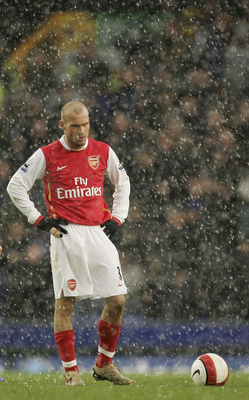 LIVERPOOL, UNITED KINGDOM - MARCH 18:  Fredrik Ljungberg of Arsenal looks disappointed after Andy Johnson of Everton scores the winner during the Barclays Premiership match between Everton and Arsenal at Goodison Park on March 18, 2007 in Liverpool, Engla