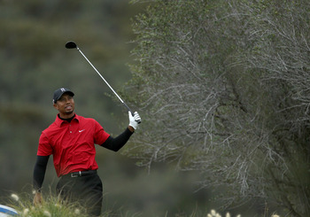 THOUSAND OAKS, CA - DECEMBER 05:  Tiger Woods watches his tee shot on the 12th hole during the final round of the Chevron World Challenge at Sherwood Country Club on December 5, 2010 in Thousand Oaks, California.  (Photo by Stephen Dunn/Getty Images)