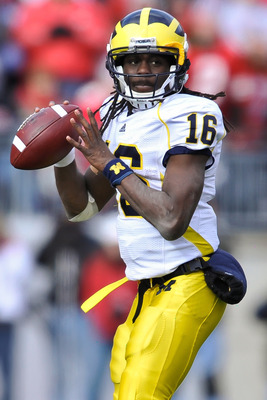 COLUMBUS, OH - NOVEMBER 27:  Quarterback Denard Robinson #16 of the Michigan Wolverines drops back to pass against the Ohio State Buckeyes at Ohio Stadium on November 27, 2010 in Columbus, Ohio.  (Photo by Jamie Sabau/Getty Images)