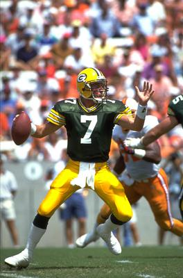 13 Sep 1992: GREEN BAY PACKERS QUARTERBACK DON MAJKOWSKI DROPS BACK TO PASS DURING THE PACKERS 31-3 LOSS TO THE TAMPA BAY BUCCANEERS AT TAMPA STADIUM IN TAMPA, FLORIDA.