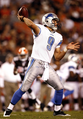 CLEVELAND - AUGUST 22:  Matthew Stafford #9 of the Detroit Lions throws to a reciever against the Cleveland Browns during the second quarter of their NFL game in Cleveland Browns Stadium on August 22, 2009 in Cleveland, Ohio.  (Photo by Matt Sullivan/Gett