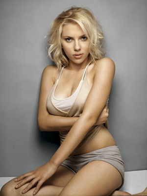 Scarlett-johansson-ryan-reynolds-husband-wife-married-couple-together-hot-sexy-beautiful-pic-photos-pictures-blonde-blond-hair-timberlake-video-oscar-movie-star-celeb-gossip-blog-news-chica-inc_display_image