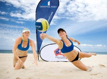 Volleyballers-candace-mccarthy-and-nicole-solomon-practicing-ahead-of-the-lifestyle-asset-management-australian-beach-volleyball-championships_display_image