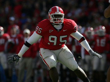 ATHENS, GA - NOVEMBER 19:  Defensive tackle Jeff Owens #95 of the Georgia Bulldogs drops back into coverage against the Kentucky Wildcats at Sanford Stadium on November 19, 2005 in Athens, Georgia.  (Photo by Doug Benc/Getty Images)