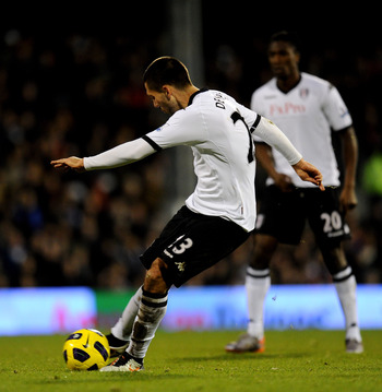 LONDON, ENGLAND - DECEMBER 11:  Clint Dempsey of Fulham takes a shot on goal during the Barclays Premier League match between Fulham and Sunderland at Craven Cottage on December 11, 2010 in London, England.  (Photo by Mike Hewitt/Getty Images)