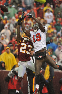 LANDOVER, MD - DECEMBER 12:  Mike Williams #19 of the Tampa Bay Buccaneers can't make this catch against the Washington Redskins at FedExField on December 12, 2010 in Landover, Maryland. The Redskins led the Buccaneers at the half 10-3. (Photo by Larry Fr